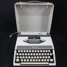 Vintage ROYAL Mercury Portable Typewriter