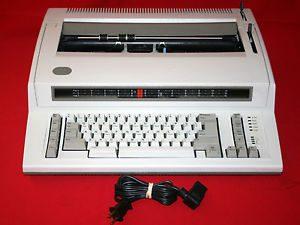 IBM Personal Wheelwriter Typewriter